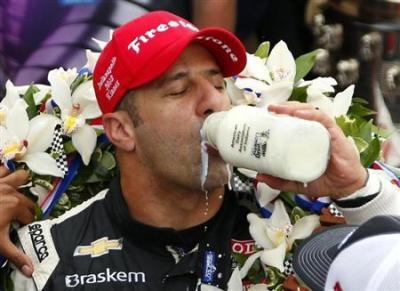 Tony Kanaan vence as 500 milhas de Indianápolis